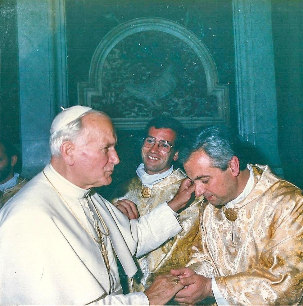 Juan Pablo II CUATRO